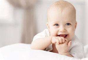 Опасность короткой уздечки верхней губы у ребенка