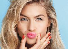 Правила нанесения макияжа с розовой помадой для девушек с разным цветом волос