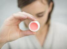 Как сделать бальзам для губ своими руками: рецепты и советы