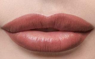 Как избавится от отека после перманентного макияжа губ