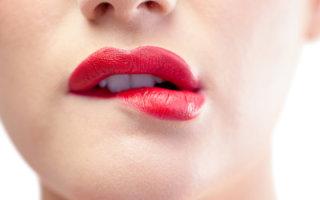 Трещины на губах: причины, лечение и методы заживления