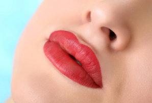 Особенности перманентного макияжа губ с растушевкой