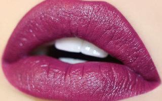 Что значит сатиновая губная помада и ее особенности
