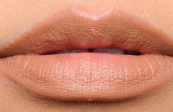 губы нюдового оттенка