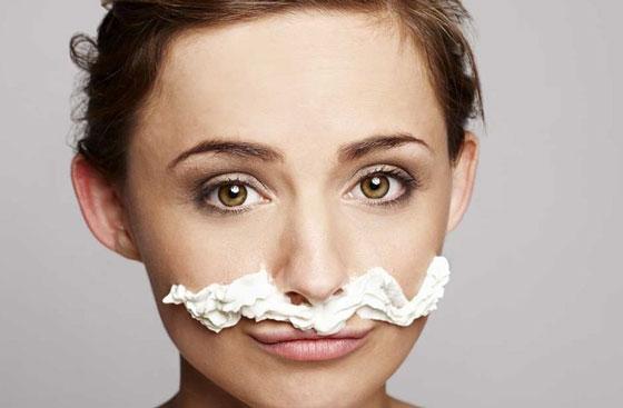 Кремовые усы