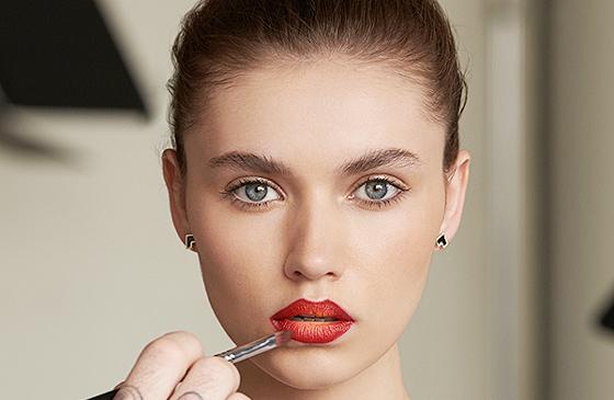 создание макияжа