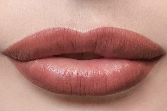 губы после контурного татуажа