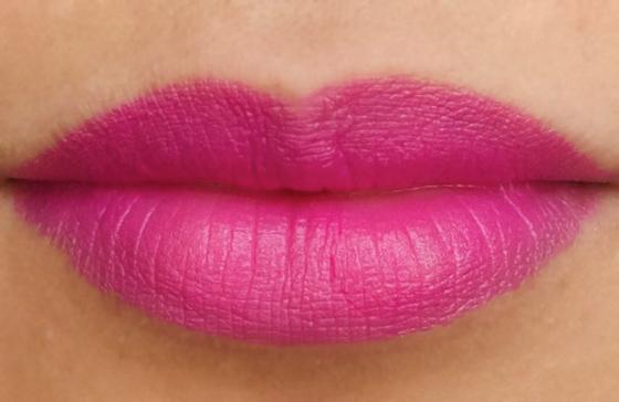 губы цвета фуксии