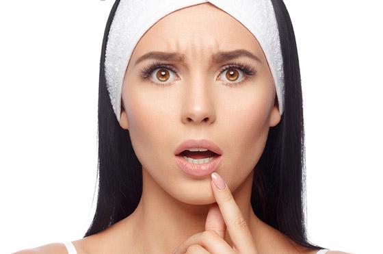 Болезненная проблема кожи губ