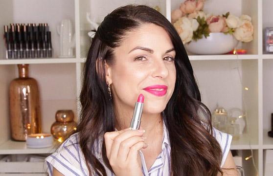 макияж с использованием несмываемой помады