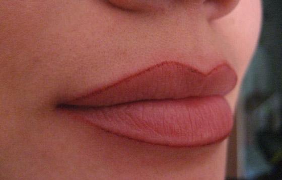 перманентный контур губ